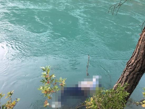 Şanlıurfa'lı fotoğraf tutkunu kadın kanyonda suda boğuldu (Video)