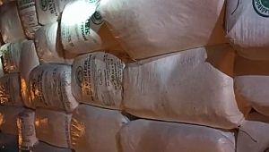 Çuvallar içinde usulsüz taşınan yüzlerce kilo tulum peynirine el konuldu (Videolu Haber)