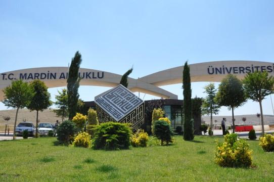MAÜ 6 ilde ve Şanlıurfa'da yabancı öğrenci sınavı yaptı