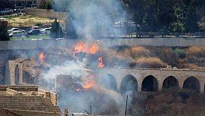 Tarihi Millet Hanı'nda yangın (Video)