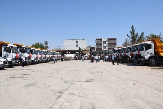 Viranşehir Belediyesi kiraladığı araçları halka tanıttı