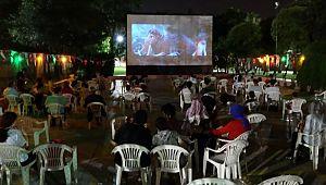 Açık hava sinemasına yoğun ilgi (Videolu Haber)