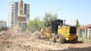Karaköprü'de yol seferberliği aralıksız sürüyor (Videolu Haber)