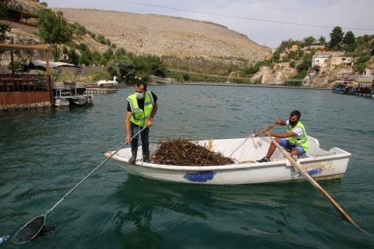 Büyükşehir'den saklı cennet Halfeti'de marina temizliği (Video)