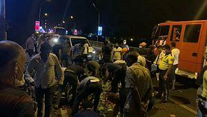 Hafif ticari aracın çarptığı motosiklet sürücüsü ağır yaralandı (Video)