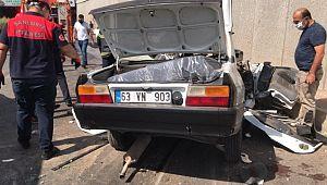 Karşı şeride geçen araç faciaya neden oldu