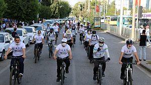 Şanlıurfa'da yüzlerce bisikletli sağlık için pedal çevirdi (Videolu Haber)
