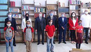 Hayırsever iş kadınından okula kütüphane (Videolu Haber)