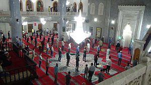 Peygamberler şehri Şanlıurfa'da Mevlit Kandili ihya edildi (Videolu Haber)