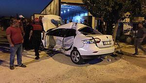 Şanlıurfa'da otomobil kaldırıma çıktı:1 yaralı