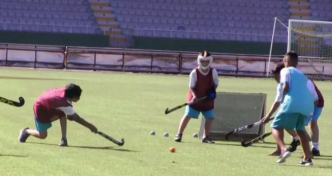 Şanlıurfalı gençler Çim Hokeyi sporuyla tanıştı