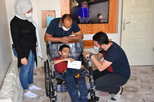 Yürüme engelli Diyar'ın tablet hayali gerçek oldu