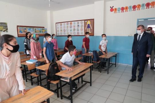 Beyazgül'den Öğretmenler Günü mesajı