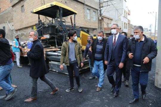 Eyyübiye belediyesi, asfalt serimine durmadan devam ediyor (Videolu Haber)