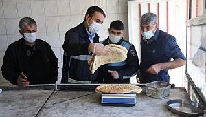 Haliliye'de zabıta ekipleri, fırsatçılara geçit vermiyor (Videolu Haber)