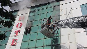 Otel yangını kontrol altına alındı