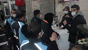 Şanlıurfa'da bazı iş yerine uygulanan kısıtlama başladı (Videolu Haber)