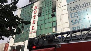 Şanlıurfa'da otelde çıkan yangın devam ediyor (Videolu Haber)