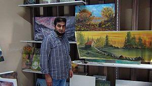 Şanlıurfa'lı İlkokul mezunu yaptığı resimlerle göz kamaştırıyor