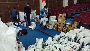 Akçakaleli çocuklara temizlik seti desteği (Videolu Haber)