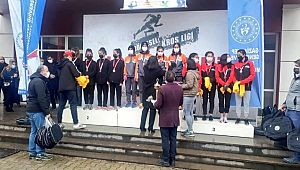 Büyükşehir Belediyesi kız atletizm takımı şampiyon oldu