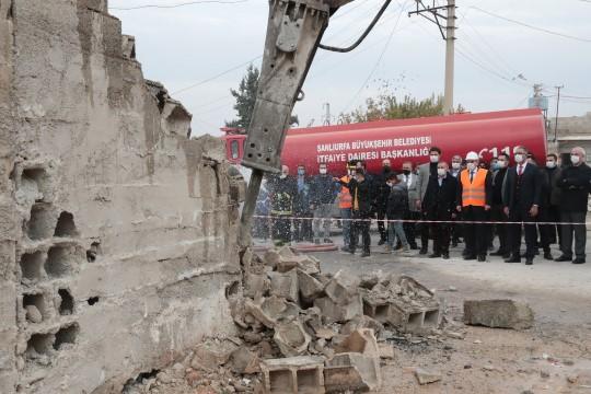 Büyükşehir, Eyyübiye'yi yeniden inşa ediyor (Videolu Haber)