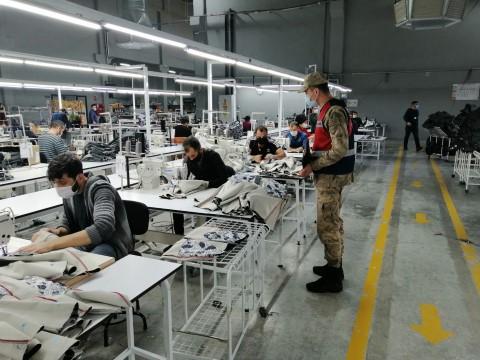 jandarma, iki günde 16 fabrikada koronavirüs denetimi yaptı