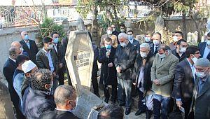 Kudüs şairi Mehmet Akif İnan mezarı başında anıldı