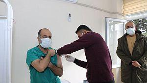 Şanlıurfa'da ilk korona aşısı yapıldı
