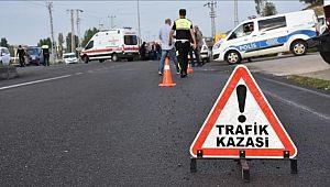 Şanlıurfa'da otomobil ile tır çarpıştı: 2 yaralı