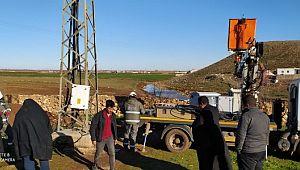 Şanlıurfa'nın Karatepe köyünde arızalanan elektrik panosu yenilendi