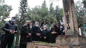 Şanlıurfa'nın pîr'i mezarı başında anıldı (Videolu Haber)