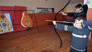 Siverek'te çocuklar ata sporu okçuluğu öğreniyor (Videolu Haber)