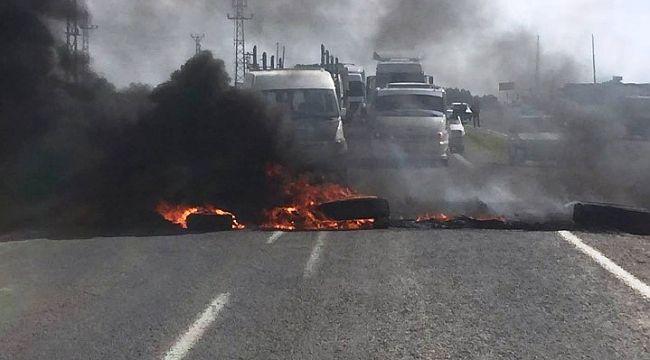 Akçakale'de çiftçiler DEDAŞ'ı protesto etti