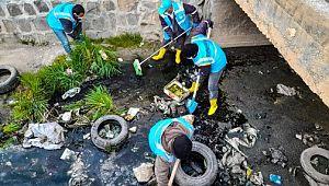 Ceylanpınar'daki Antep Deresi temizleniyor
