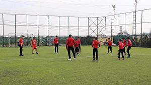 Düşük riskli Şanlıurfa'da sporcular yeşil sahalara indi