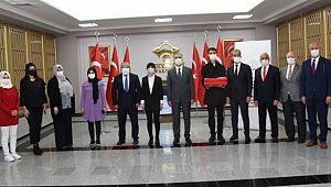 Şanlı Türk Bayrağı Şanlıurfa'dan teslim alınarak Gaziantep'e uğurlandı