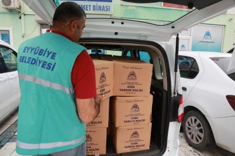 Eyyübiye belediyesi, yardıma muhtaç vatandaşların yanında olmaya devam ediyor