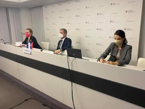 Slovakya, Sputnik V aşısını incelemesi için Macaristan'a gönderecek