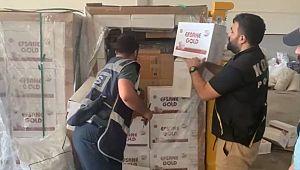Dedektör köpek tepki verdi, bisküvi kutularından 16 bin paket kaçak sigara çıktı ( Video Haber )