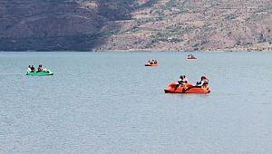 Doğunun gizli denizi Hazar Gölü, misafirlerini ağırlamaya başladı ( Video Haber )