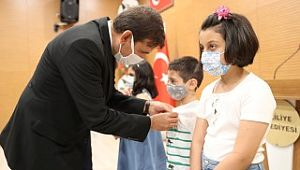 İstiklal Marşı yarışmasında, ödüller sahiplerini buldu