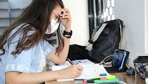 Karaköprü'de öğrenciler sınavlara okuma evlerinde hazırlanıyor