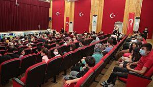 Çocuk tiyatrosu izleyicilerden tam not aldı