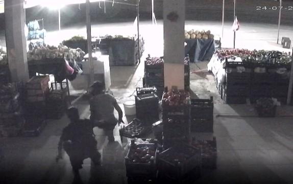 Manavdan hırsızlık anı güvenlik kamerasında ( Video Haber )