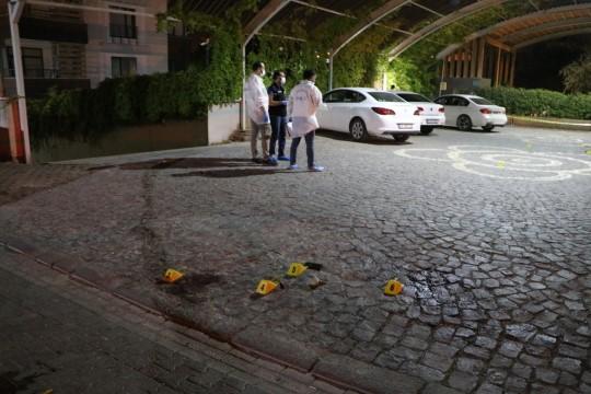 Şanlıurfa'da avukat ile kardeşi silahlı kavgada öldürüldü ( Video Haber )