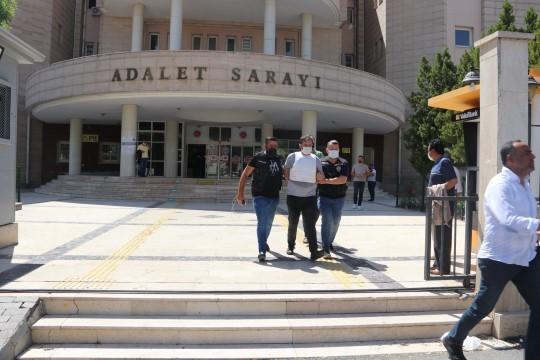Şanlıurfa'da avukat ve kardeşinin öldürüldüğü kavganın zanlısı tutuklandı ( Video Haber )