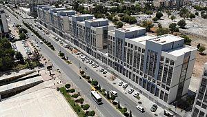 TOKİ, Şanlıurfa'da 54 rezidans daire ve 32 ofisi açık artırma yöntemi ile satışa sundu ( Video Haber )