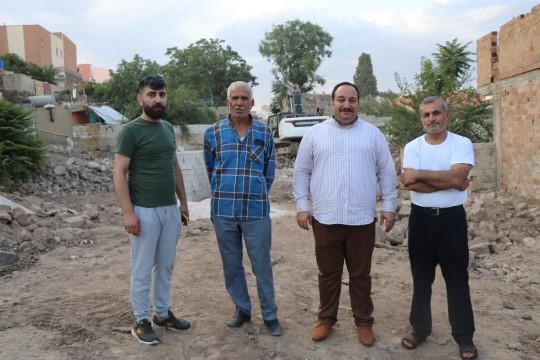 Viranşehir'de yol genişletme çalışması