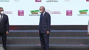 Cumhurbaşkanı Erdoğan'dan 'Genç Dostu Şehirler'e ödül ( Video Haber )